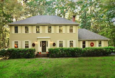 21 ORIOLE Drive Bedford NH 03110