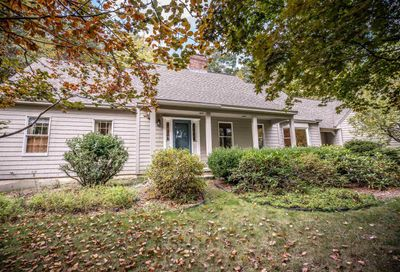 16 Nathaniel Drive Amherst NH 03031