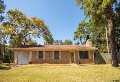 10614 Rolling Pines Dr Tyler TX 75707