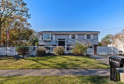 4 Edgewood Dr Somers Point NJ 08244