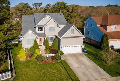 13 Ruth Ct Absecon NJ 08201