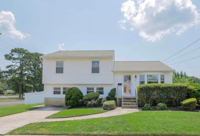 4 Colwick Dr Somers Point NJ 08244