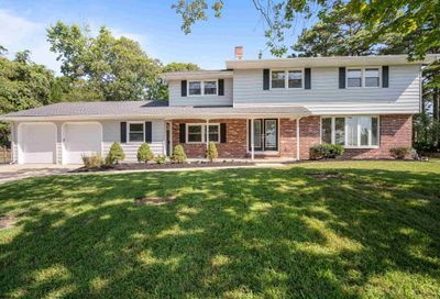303 Forest Hill Dr Absecon NJ 08201