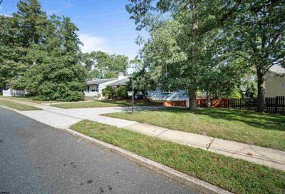 109 Holly Hills Somers Point NJ 08244
