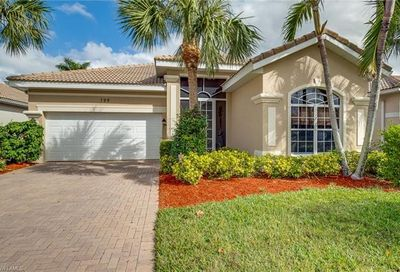 199 Glen Eagle Cir Naples FL 34104