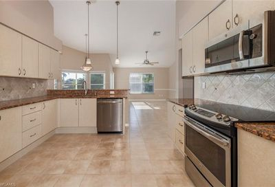 9010 Old Hickory Cir Fort Myers FL 33912