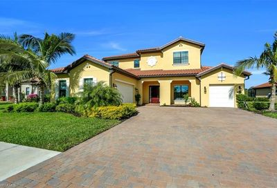 1643 Songbird Ct Naples FL 34120