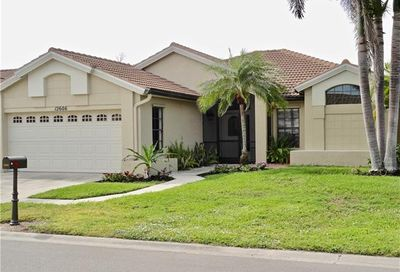 12606 Hunters Ridge Dr Bonita Springs FL 34135