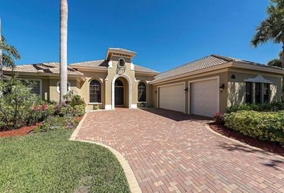 14681 Beaufort Cir Naples FL 34119