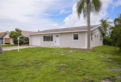 67 9th St Bonita Springs FL 34134