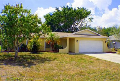 716 SE 11th Ave Cape Coral FL 33990