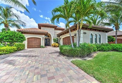 6423 Vivaldi Ct Naples FL 34113