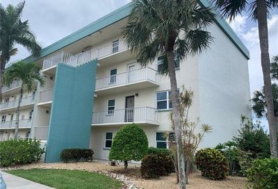 1660 Pine Valley Dr 104 Fort Myers FL 33907