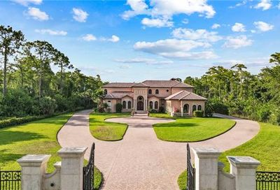 3645 7th Ave NW Naples FL 34120