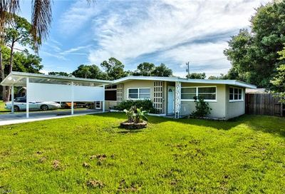 1254 Pinecrest St North Fort Myers FL 33903