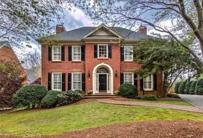 8 Parkside Court NE Atlanta GA 30342
