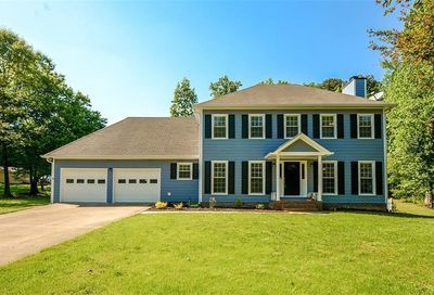 1040 Country Walk Court Lawrenceville GA 30043