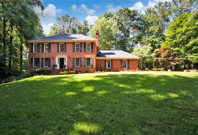 1095 Willow Bend Roswell GA 30075