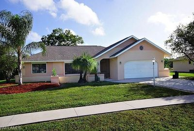 4220 Glasgow Ct North Fort Myers FL 33903