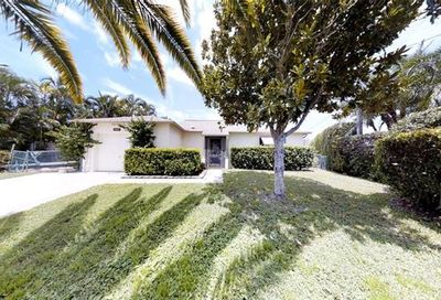 1744 Dockway North Fort Myers FL 33903