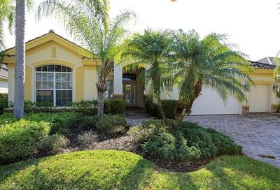 8761 Hideaway Harbor Ct Naples FL 34120