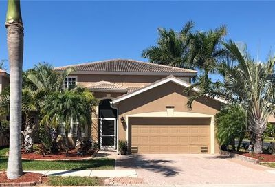 14090 Clear Water Ln Fort Myers FL 33907