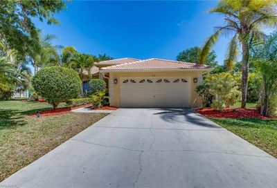 812 Willow Springs Ct Naples FL 34120-0497