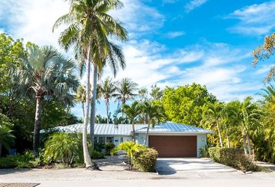 1066 Sand Castle Rd Sanibel FL 33957