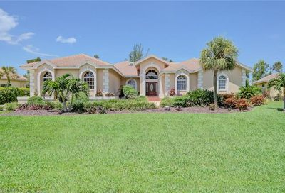 16248 Forest Oaks Dr Fort Myers FL 33908
