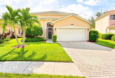 14098 Clear Water Ln Fort Myers FL 33907
