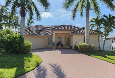4298 Harbour Ln North Fort Myers FL 33903