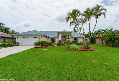 4410 SE 9th Ave Cape Coral FL 33904