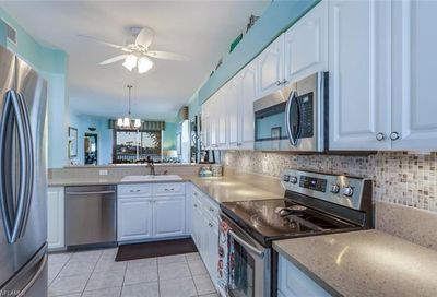 8106 Queen Palm Ln 128 Fort Myers FL 33966