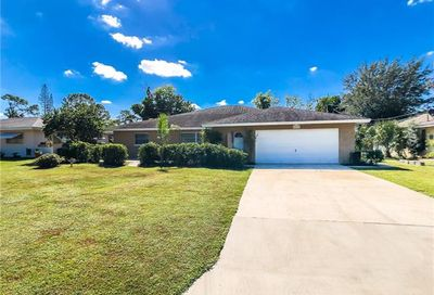 2460 Woodland Cir Fort Myers FL 33907