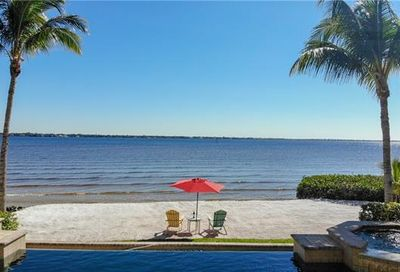 12604 Panasoffkee Dr North Fort Myers FL 33903