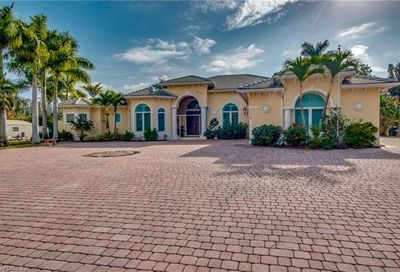 6418 Pine Cone Ct Fort Myers FL 33912