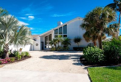 9094 Mockingbird Dr Sanibel FL 33957