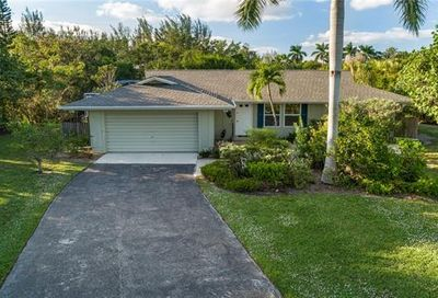 9431 Moonlight Dr Sanibel FL 33957