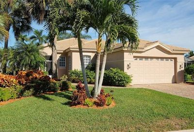 9210 Willowcrest Ct Fort Myers FL 33908
