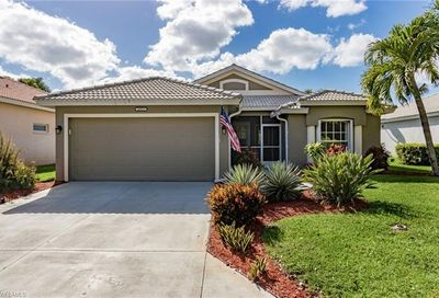 25913 Pebblecreek Dr Bonita Springs FL 34135