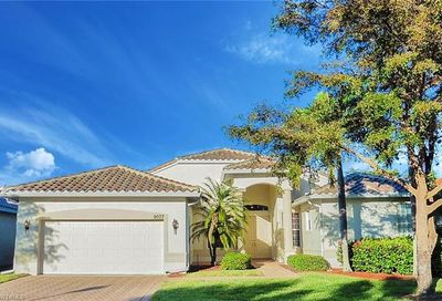 9077 Whitfield Dr Estero FL 33928