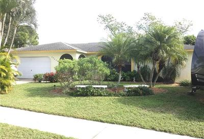 5923 Sandburg Dr North Fort Myers FL 33903