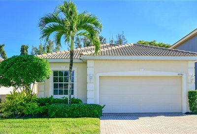 8993 Spring Mountain Way Fort Myers FL 33908