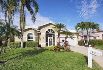 9221 Old Hickory Cir Fort Myers FL 33912