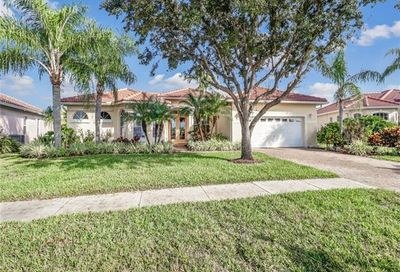 2245 Valencia Lakes Cir Naples FL 34120