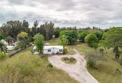 7952 Suncoast Dr North Fort Myers FL 33917