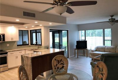 5565 Trailwinds Dr 213 Fort Myers FL 33907