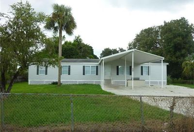 8239 Tolles Dr North Fort Myers FL 33917