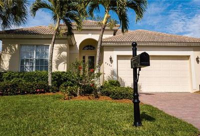 8896 Dartmoor Way Fort Myers FL 33908