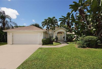 777 Teton Ct Naples FL 34104